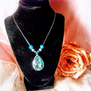 Beautiful vintage necklace with turquoise stone